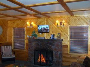 1 Bedroom cottages with large Jacuzzi or Spa. Pet friendly - Kitchen and fireplace. #5,6 Photo 6