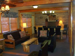 4 Bedroom lakeside - Group size 3 bath cabin with kitchen, 4 fireplaces and bar. #13 Picture 1