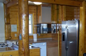 4 Bedroom lakeside - Group size 3 bath cabin with kitchen, 4 fireplaces and bar. Pet friendly #13 Picture 12