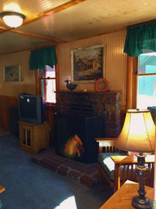 1 & 2 Bedroom cottages - Medium size 2 story. Pet friendly. Kitchen and fireplace. #7,19,24 Photo 29