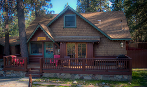 3 Bedroom 2 bath spa cabin with Jacuzzi - Full kitchen and fireplace. Pet friendly #11,17,26 Photo 1