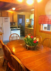 3 Bedroom 2 bath spa cabin with Jacuzzi - Full kitchen and fireplace. Pet friendly #11,17,26 Picture 21