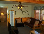 4 Bedroom lakeside - Group size 3 bath cabin with kitchen, 4 fireplaces and bar. #13 Picture 4