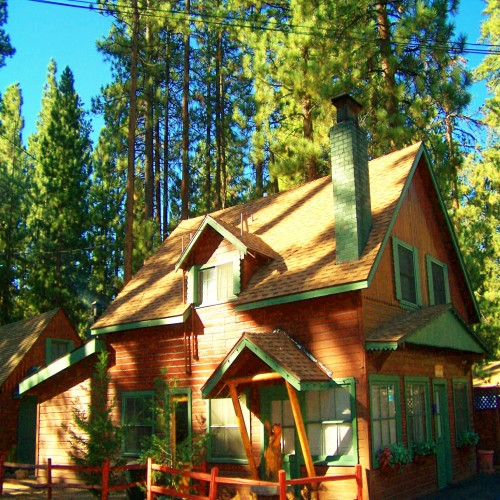 Big bear brochure lodging events information big bear lake Big bear lakefront cabins for rent