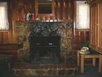 3 Bedroom 2 bath spa cabin with Jacuzzi - Full kitchen and fireplace. Pet friendly #11,17,26 Photo 11