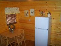 Larger Jacuzzi studio cottage - kitchen and fireplace. #14,18 Picture 10