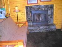 Larger Jacuzzi studio cottage - kitchen and fireplace. #14,18 Picture 15